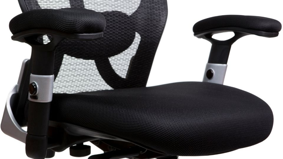 Should Office Chair Have Armrests?