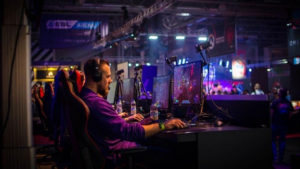 speakers in gaming chair
