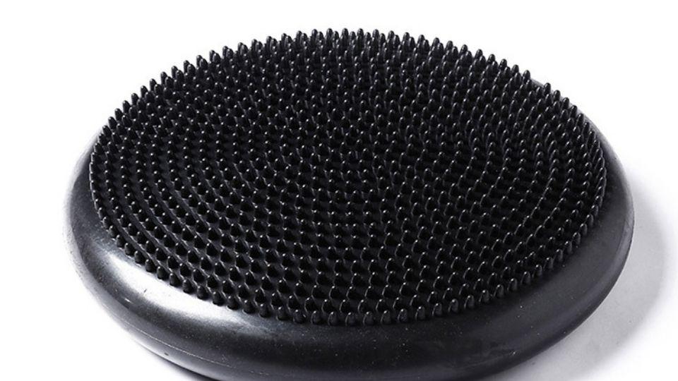 black round wobble cushion