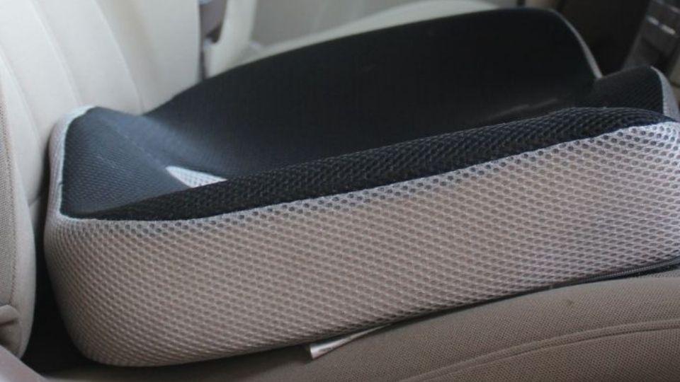 seat cushion in car