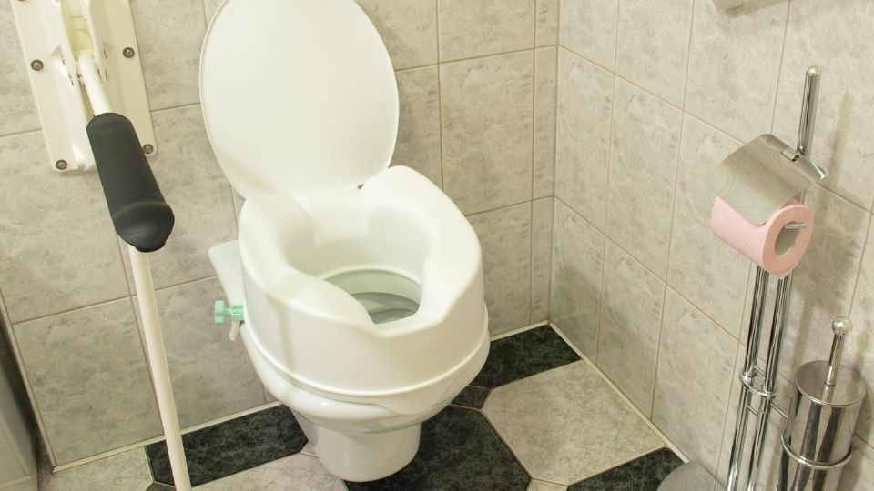 raised toilet seat for hip replacement patients