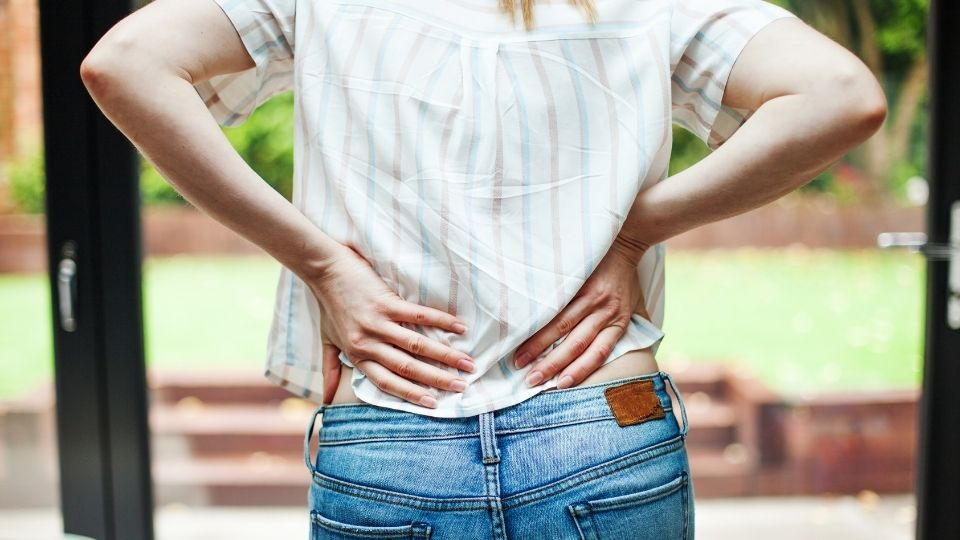 woman suffering from piriformis syndrome