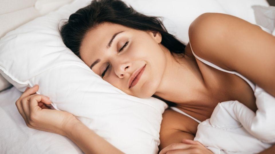 how to sleep correctly