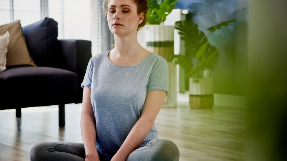 why sitting up helps breathing